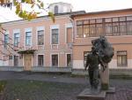 Псков, Октябрьский проспект, 7а. здание Псковской областной библиотеки для детей и юношества
